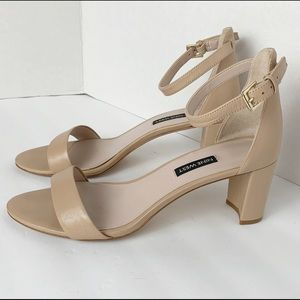Nine West Ankle Strap Sandal Heel Size 9.5M
